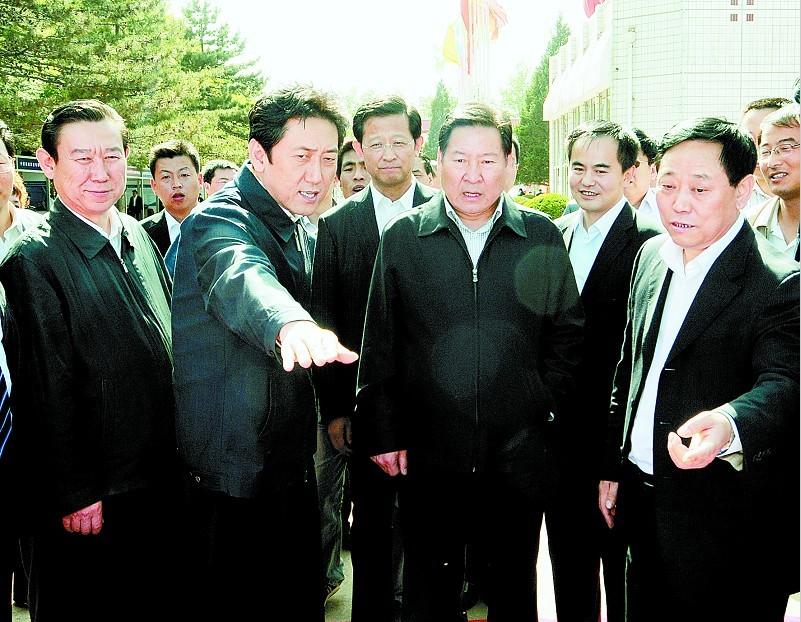 赵铁锤:在潞安集团考察安全避险设施建设