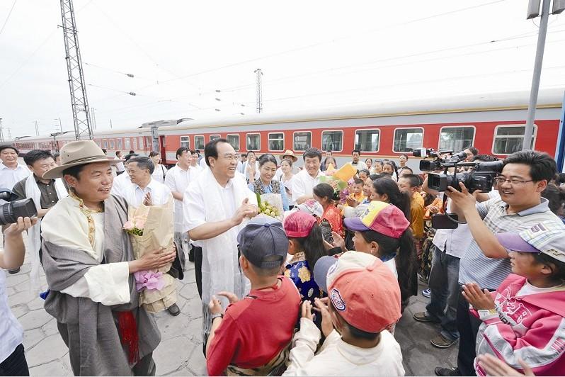 副市长李国隆前往长治火车