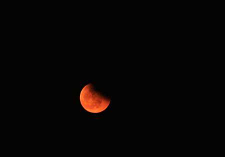 汤有月亮的图片